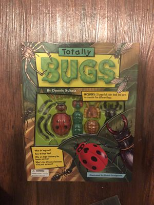 Totally Bugs book with artificial bugs for Sale in Grosse Pointe Farms, MI
