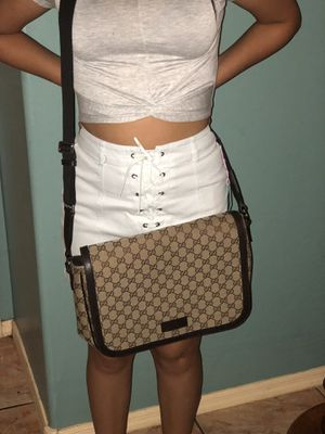 Authentic Gucci crossbody bag NO TRADES for Sale in Glendale, AZ