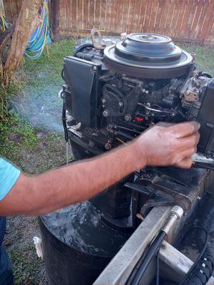 Se arreglan motores de lancha fuera de borda for Sale in Houston, TX