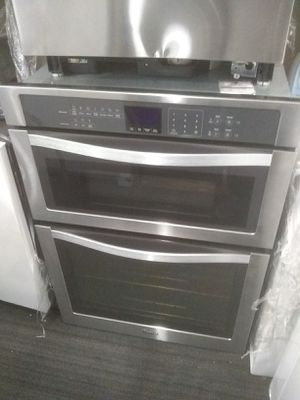 Whirlpool stainless steel kitchen double oven and home appliances for Sale in Los Angeles, CA