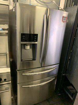 Samsung 33 inch 4 door refrigerator for Sale in West Covina, CA