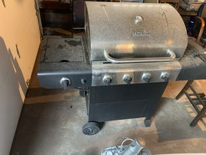 Char-broil performance 4 burner Grill for Sale in Norman, OK