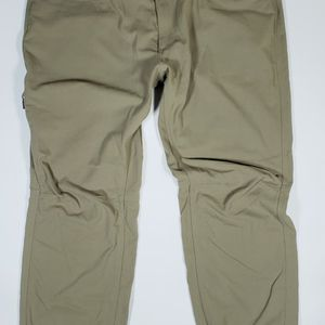 Under Armour 40x30 Tac Guardian Storm Tactical Nylon Pants for Sale in Everett, WA