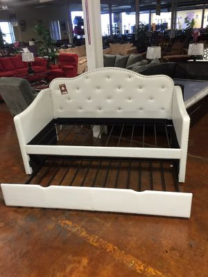 Beautiful twin over twin daybed for Sale in Chicago, IL