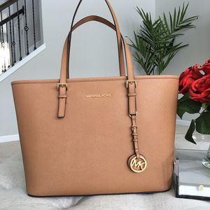 Brand new Michael Kors bag with tag for Sale in Mentor, OH