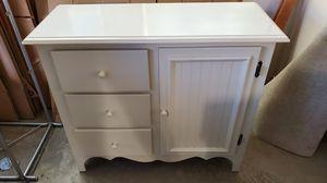 Small white shelf in excellent condition for Sale in Dublin, CA