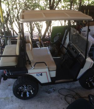 ergo golf cart 36vBattery not strong but running tires lift kit new rims for Sale in Winter Haven, FL