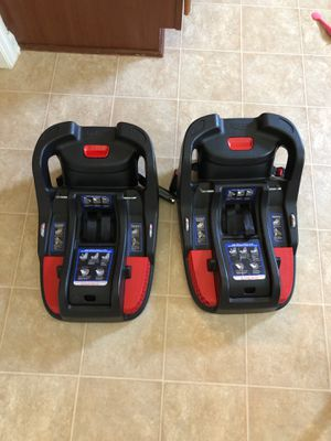 Britax B-Safe 35 - 2 bases and a stroller; car seat is free for Sale in Fayetteville, NC