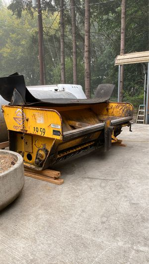 Small gravel and sand spreader for Sale in West Linn, OR