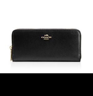 coach slim accordion zip wallet for Sale in Glen Allen, VA