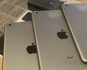 iPad mini for Sale in Cleveland, OH