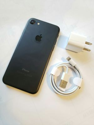 IPhone 7 , Excellent Condition, FACTORY UNLOCKED. for Sale in Fort Belvoir, VA