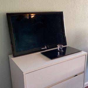 """32"""" Samsung TV for Sale in Fresno, CA"""