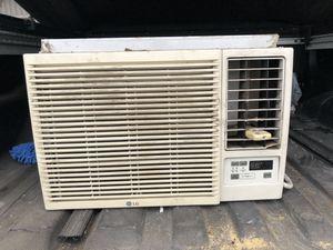 LG LW1214HR Window unit AC & Heater for Sale in Houston, TX