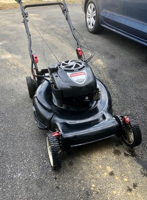 """Craftsman self propelled 22"""" lawn mower for Sale in Edgewater, MD"""