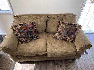 Couch set with FREE lamps for Sale in Redondo Beach, CA