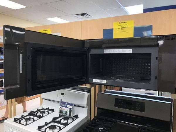 Brand new GE Microwave