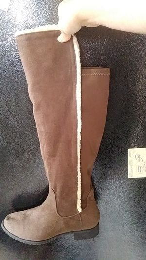 Womens size 8 boots for Sale in Turtle Creek, PA