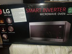 LG Microwave for Sale in Alpharetta, GA