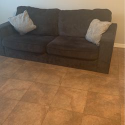 Blue city Furniture Couch NEED GONE ASAP for Sale in Apopka,  FL