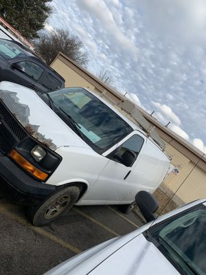 2008 Chevy express cargo van for Sale in Strongsville, OH