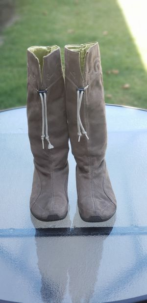 Ladies Brown Boots Puma Size 8 for Sale in Huntington Beach, CA
