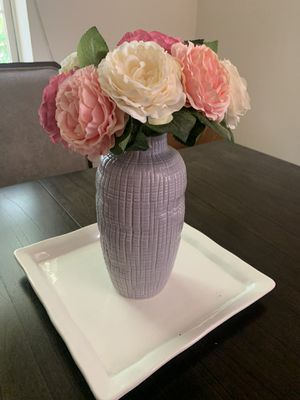 Vase flowers and trade set for Sale in Gaithersburg, MD
