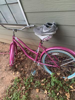 Pink bike for Sale in Atlanta, GA