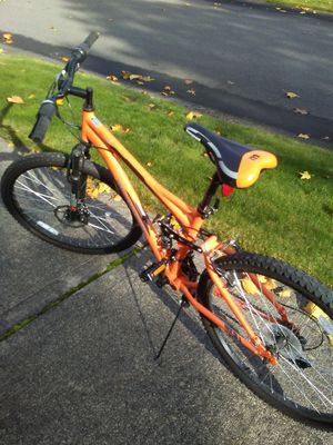 MONGOOSE BOYS BIKE EXCELLENT COND for Sale in Puyallup, WA