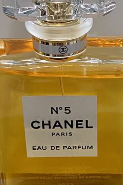 Chanel No 5 - Eau de Parfum - 3.4 oz - Perfume Spray for Sale in Lorton,  VA