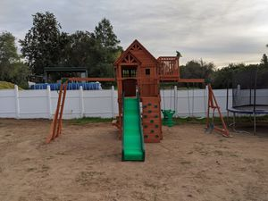 Backyard discovery playset for Sale in Perris, CA