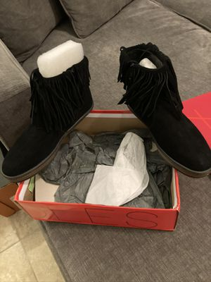 Brand new women's aerosole black suede fringed boots for Sale in Palm Springs, CA