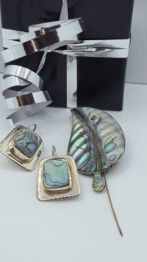 """Antique Set 925 Sterling silver, Mexican Modernist of Earrings 1""""in & and Pendant 2.5""""in, 16.54grs, solid vintage Jewerly. for Sale in Covington, KY"""