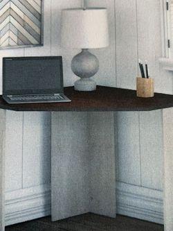 Corner Desk for Sale in Long Beach,  CA