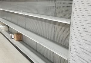 Gondola Shelving .. over 140 sections.. Like New for Sale in Miami, FL