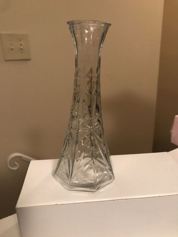 Very small glass vase *brand new in box*