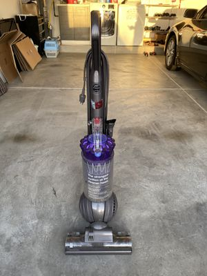Dyson Animal DC41 Vacuum Cleaner for Sale in El Monte, CA