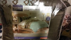 Comforter set queen size for Sale in Nashville, TN