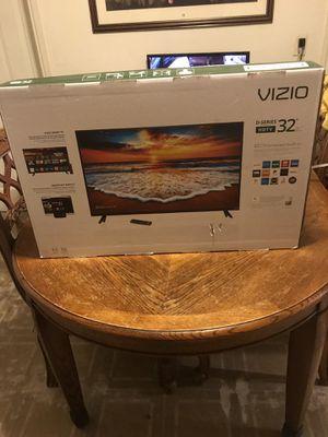 VIZIO smart tv 32 inches brand new for Sale in Chicago, IL