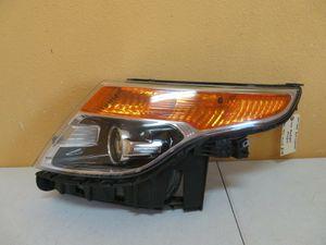 2011-2015 Ford Explorer Left Headlight Halogen for Sale in Houston, TX