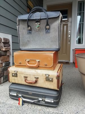Lot of Various Vintage Luggage for Sale in Puyallup, WA
