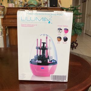 Makeup Brush Cleaner for Sale in Fontana, CA