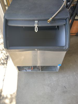 Scotsman Commercial ice machine. for Sale in Visalia, CA