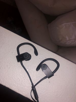 Beat wireless headphones for Sale in Tampa, FL