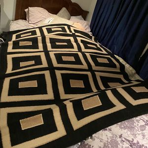 Beautiful Area Rug Amazing Condition for Sale in Seattle, WA