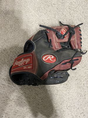 Rawlings Gold Glove 10.75 Inch Infield Baseball Glove for Sale in Mountain View, CA