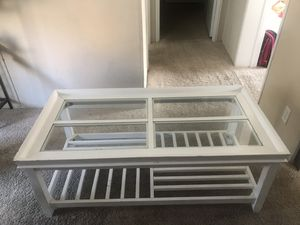 White coffee table for Sale in Tampa, FL