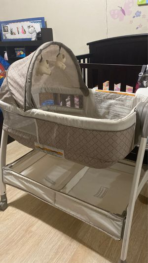 Graco Bassinet/ Diaper changer for Sale in Commerce, CA