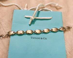 Tiffany & Co. Pebble Oval link bracelet for Sale in Silver Spring, MD