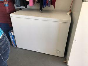 Frigidaire freezer 8.7 cu. ft. for Sale in West Palm Beach, FL